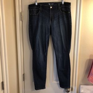 Women's Gap Jean Legging... Skinny fit...size 18